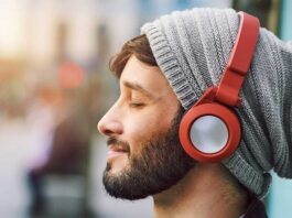 Choose the Best Headphones for Your Phone